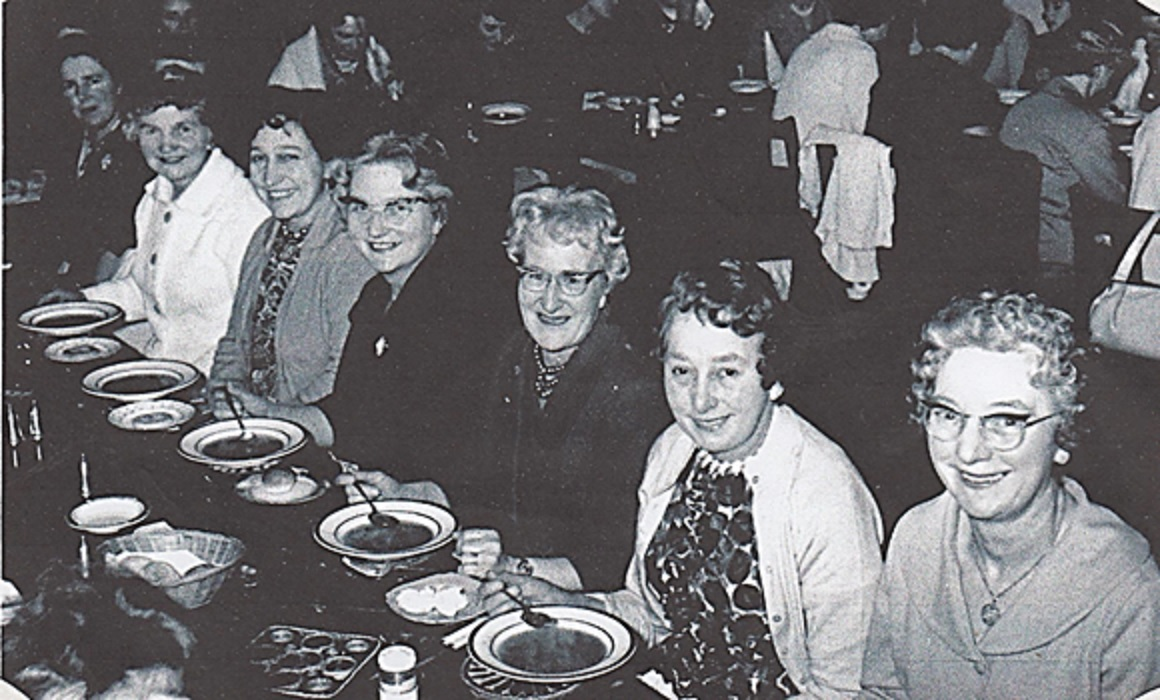 womens_institute_at_yew_lodge_001.jpg