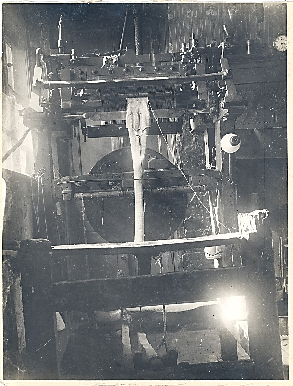 nov_2019_hathern_knitting_machine_maybe_kegworth_museum.jpg
