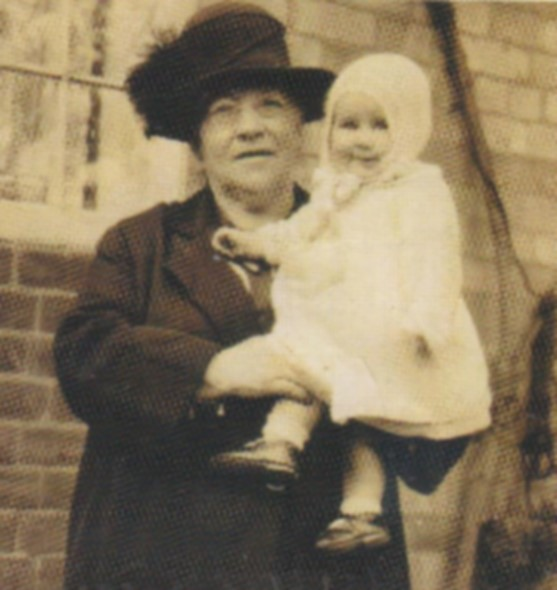 young_vera_sparks_with_grandmother.jpg
