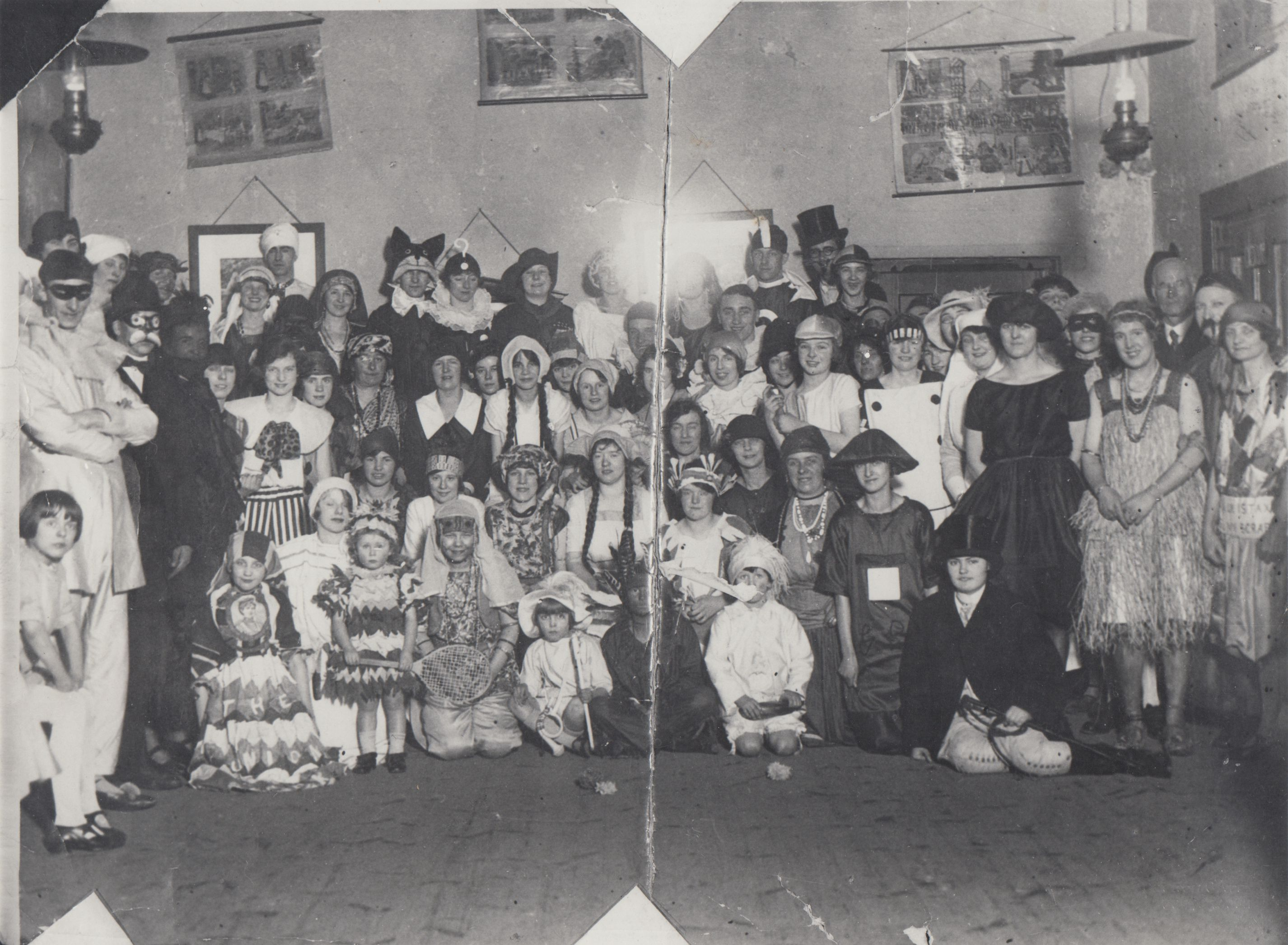 fancy_dress_school_1920s_0001.jpg