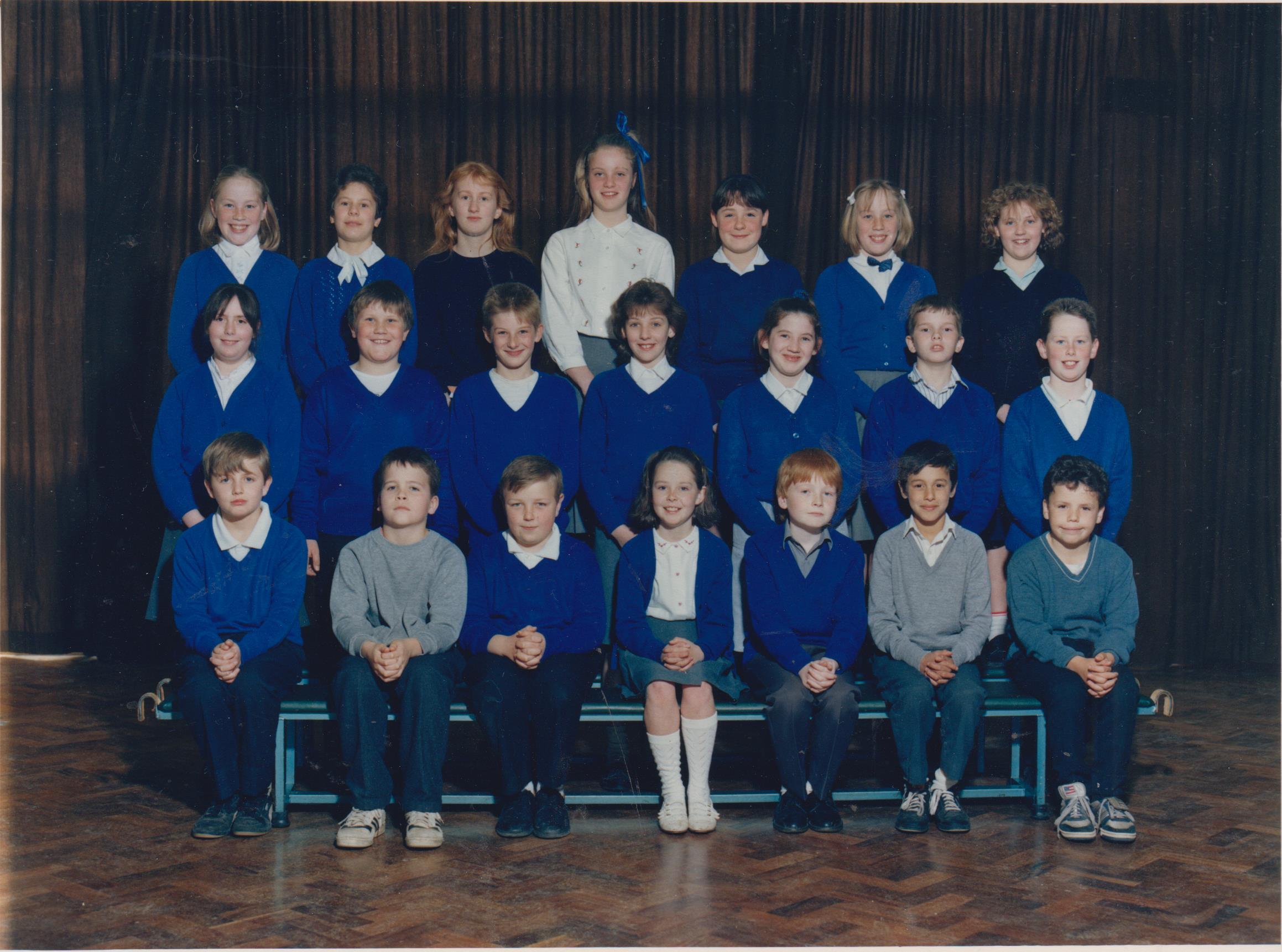 school_group_joanne_price_top_left_001.jpg