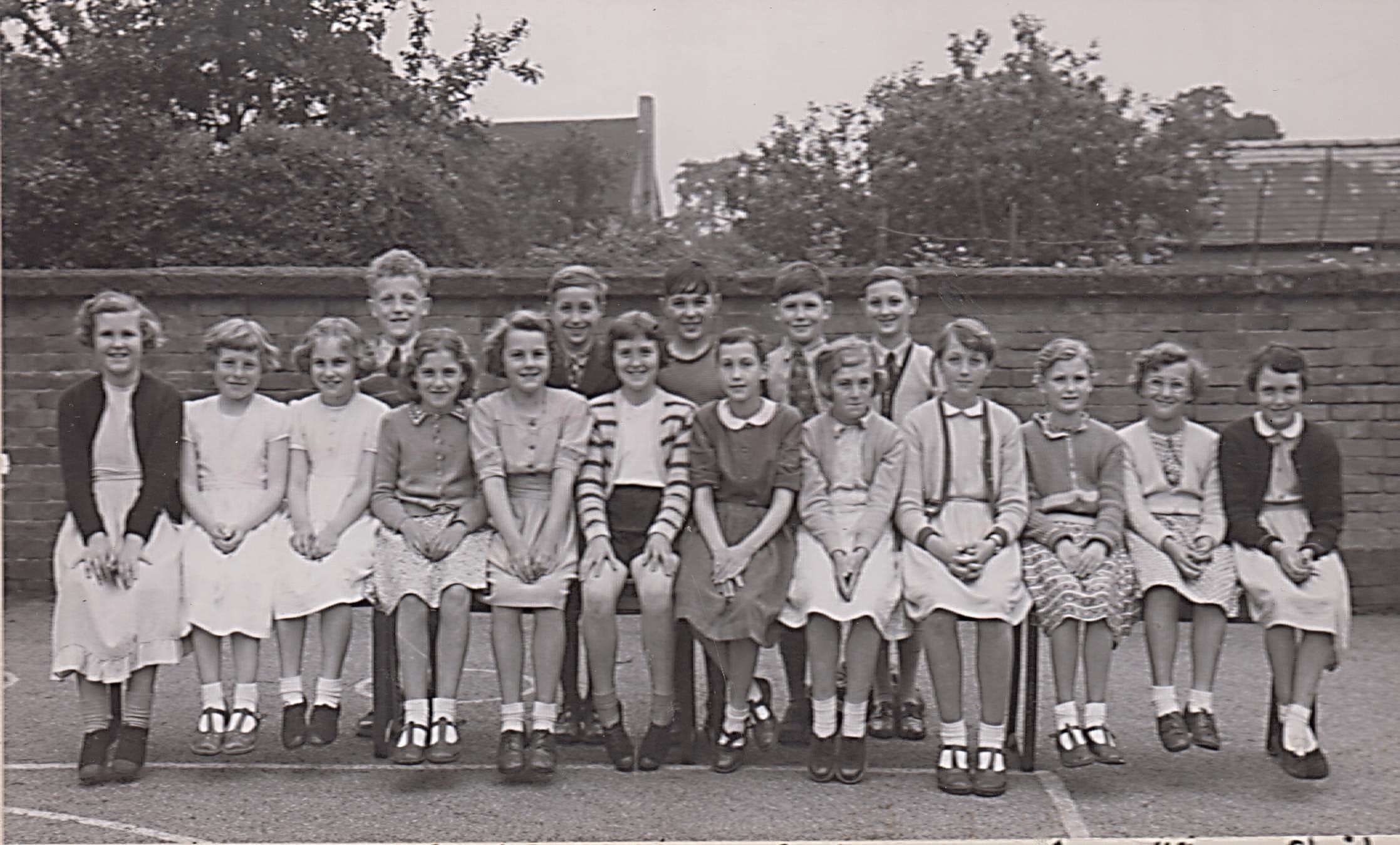 school_leavers_1955_001.jpg