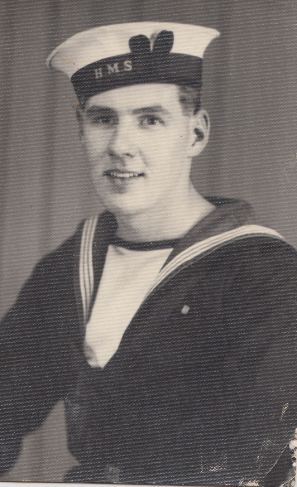 harry_hunt_navy_0001.jpg
