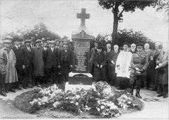 cemetery_ceremony.jpg