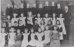 h42_school_group_1900-001.jpg