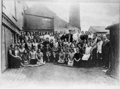 fullers_workers_1920s_ohp.jpg
