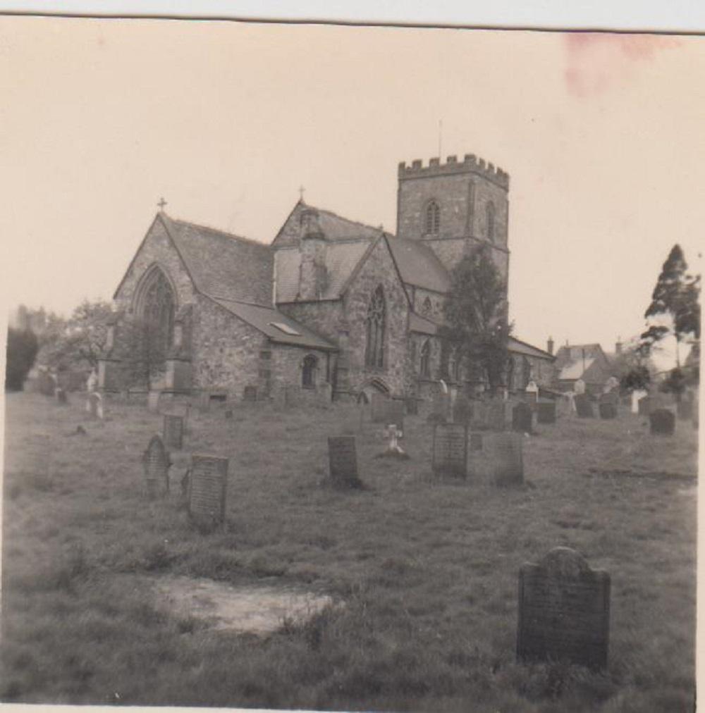 2016-02-01_church_with_gravestones.jpg