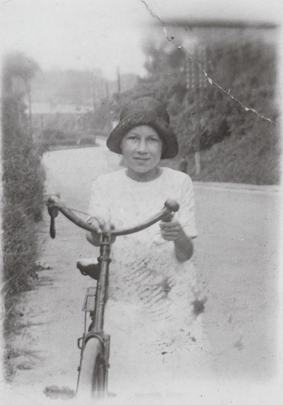h586_evelyn_freer_with_bike-001.jpg
