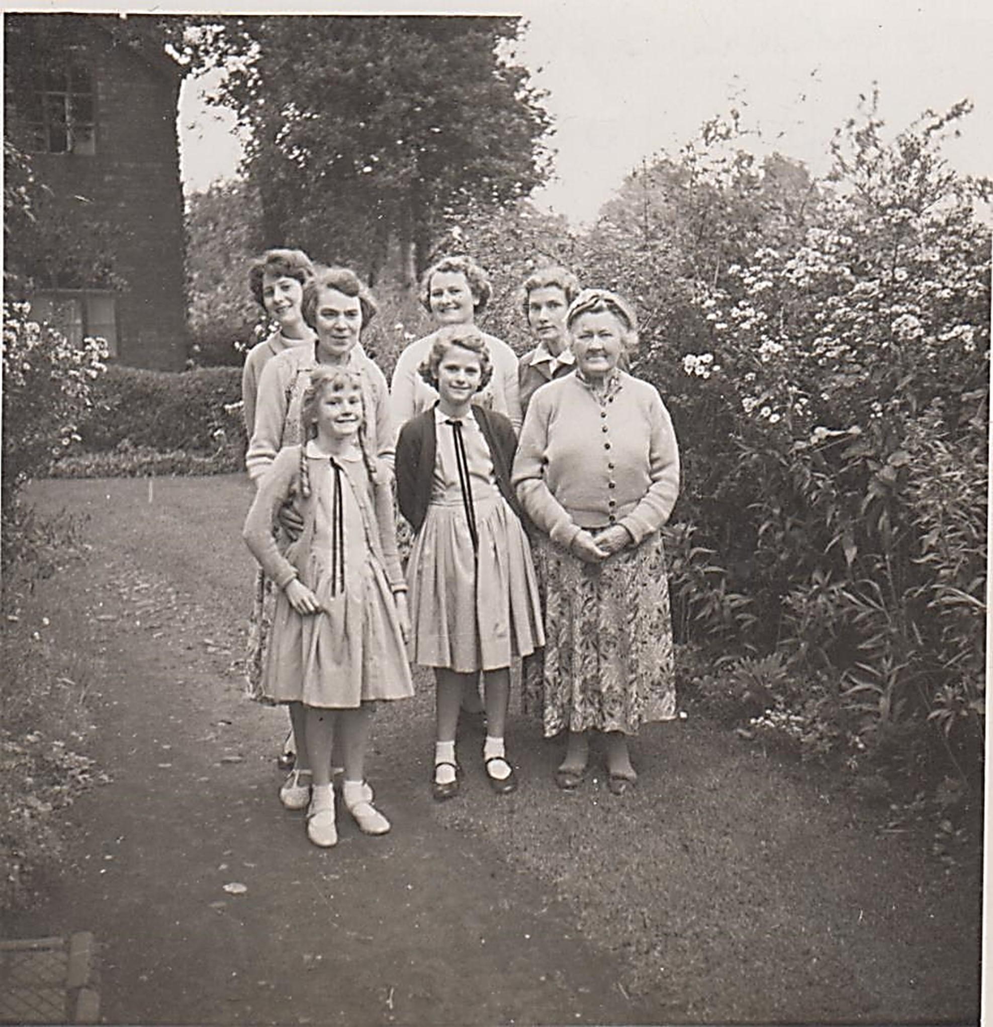 roberts_at_hathern_1958_001.jpg