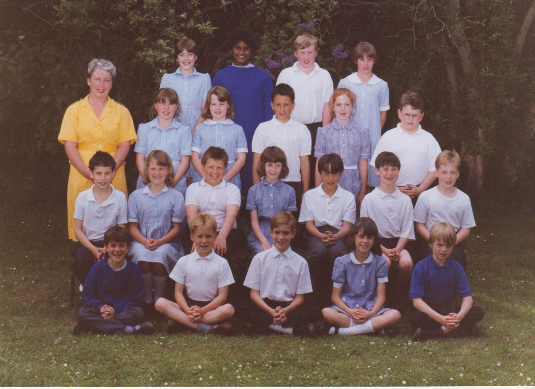 school_group_james_chawner_front_left_001.jpg