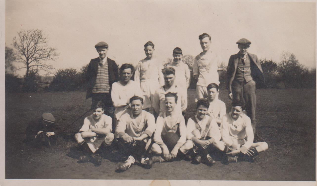 Football-team-unknown-from-D-Spencer-001.jpg